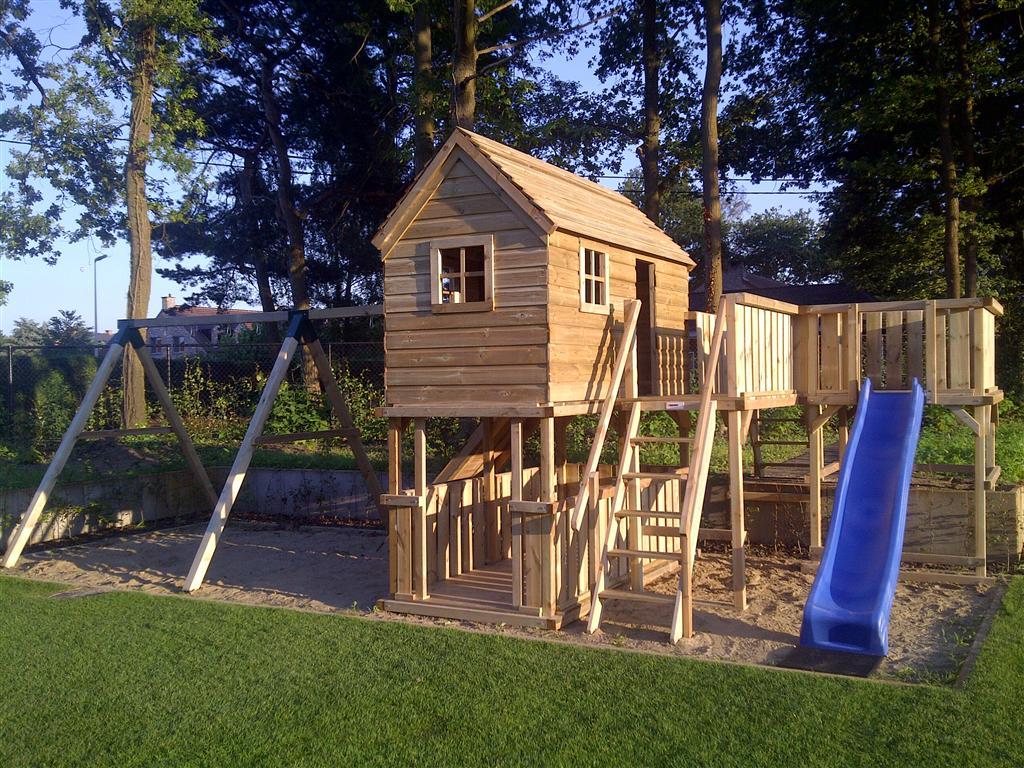 Speeltoestellen van tuinhout neerkant houten speeltoestel for Ingebouwd zwembad zelf maken