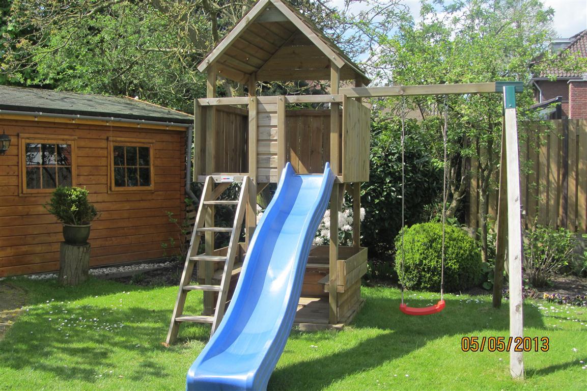 Speeltoestel Kleine Tuin : Speeltoestel rondzit tuinhout neerkant